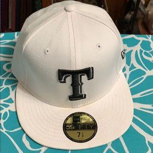 New 7 1/8 Texas Rangers White Hat 🧢